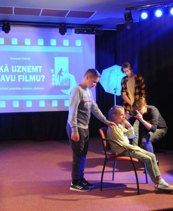 Mazzalvieši mācās, kā uzņemt savu filmu